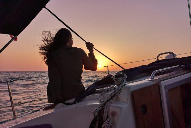 להפליג על גבי החלומות