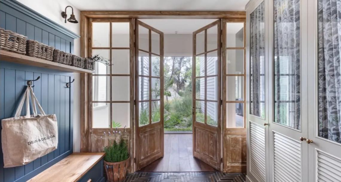 לעצב את הבית עם דלתות עתיקות מסוף המאה התשע עשרה